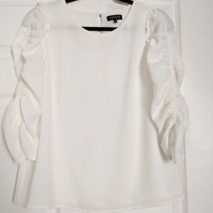 NWT 1state ruffle long sleeve crew neck blouse